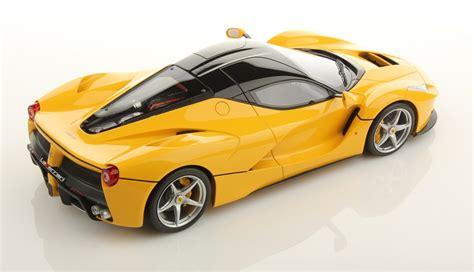 Ferrari LaFerrari amarillo rodando por Mugello