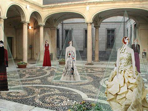 consolato ungherese orari mostra pentatonia palazzo morando costume moda