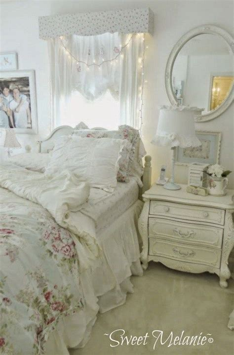 Shabby Chic Bedroom Ls by 25 Best Ideas About Shabby Chic Headboard On