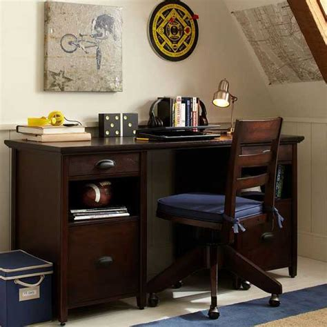 Desk Room by How To Select The Best Student Desk And Chair For