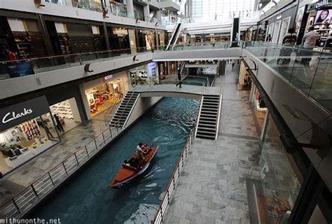 boat ride mbs singapore marina bay sands mall venetian gondola boats