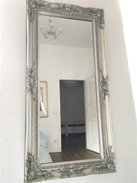 spieglein spieglein streifenfrei spiegelputzen rosanisiert - Schlafzimmerboden Spiegel