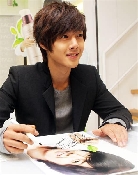 kpop theme songs korean star kim hyun joong to sing guangzhou asian games