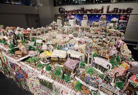 biggest christmas house nyc new york guinness names ny gingerbread largest