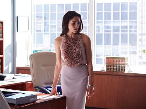 Zane Wardrobe by 4 Power Dressing Lessons We Learned From Suits Meghan