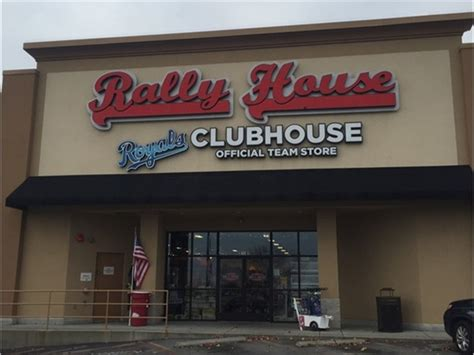 rally house independence missouri stop by rally house to get your 2016 afc west division chions gear independence mo