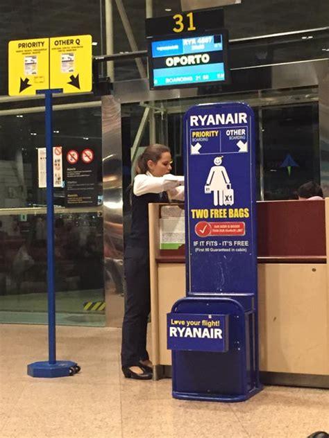 cabin luggage size ryanair ryanair baggage 2017