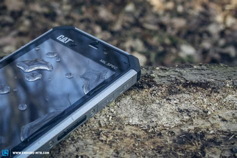 Hp Samsung Baterai Tahan Lama ini dia hp hp tahan air tahan banting dan daya baterai tahan lama sangat cocok untuk pegiat alam