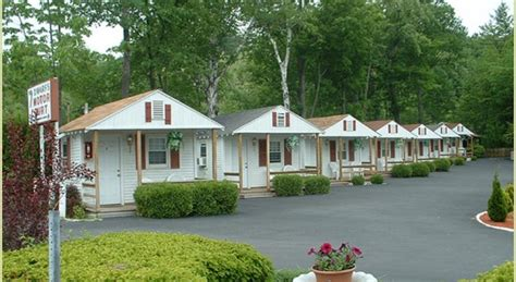Lake George New York Cabins by Lodge Seven Dwarfs Cabins White Cabin Lake George Ny