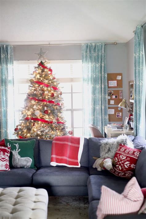 our favorite living rooms decorated for christmas 50 best christmas living room decor ideas