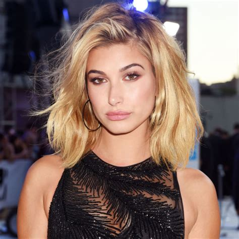 Entertaining Guests by Hailey Baldwin S New Do Is Perfect For The Changing Seasons