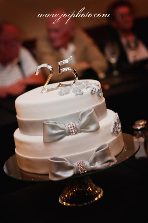 Best 25  25th wedding anniversary cakes ideas on Pinterest