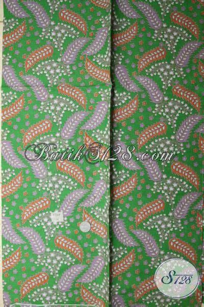 Bahan Kain Balotelli Motif Daun kain batik murah motif daun warna dasar hijau cocok untuk bahan rok blus dan kemeja k1712p