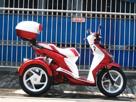 Lu Proji Motor Beat oracle modification concept honda beat roda tiga pesanan