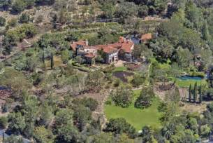 jeff bridges house the dude downsizes jeff bridges lists his montecito