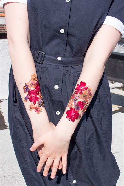pressed flower tattoo how to make temporary tattoos from real dried flowers