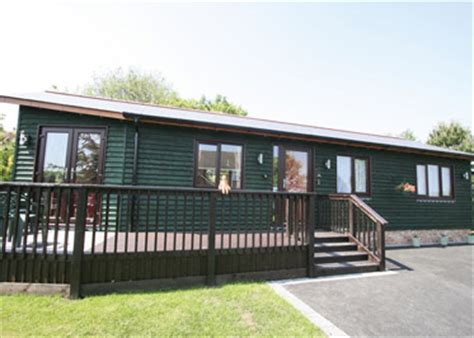 Log Cabin Holidays In Somerset by Lodges In Somerset And Somerset Log Cabins 34 To