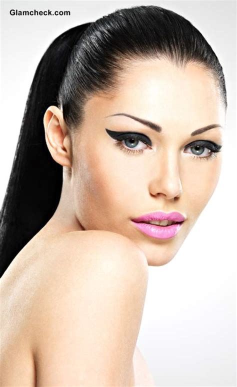 2014 makeup trends neon pink lips trend how to sport it