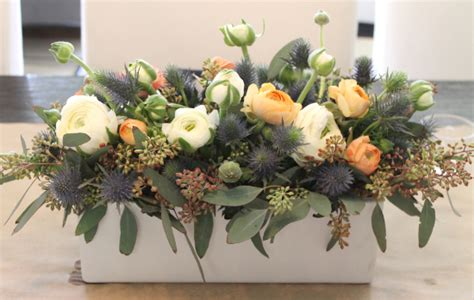 simple floral arrangement   Livinator