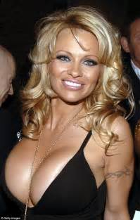 Pamela andersson pamela anderson looks unrecognisable in wholesome