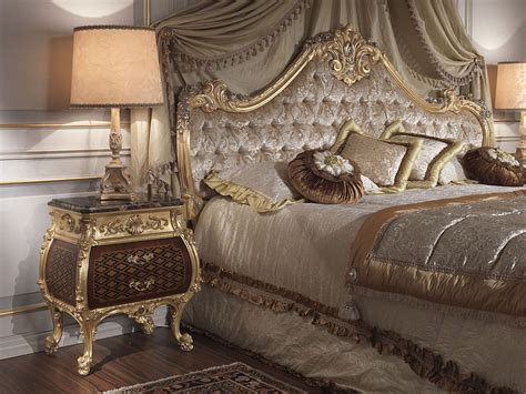 18th Century Bedroom Furniture Classic Bedroom Italian 18th Century And Louis Xv Bed And Tables Vimercati Classic