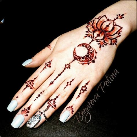 finger tattoo mehndi 25 best ideas about finger henna on pinterest henna