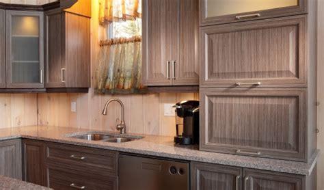panneau armoire cuisine armoire de cuisine en bois shaker wraste