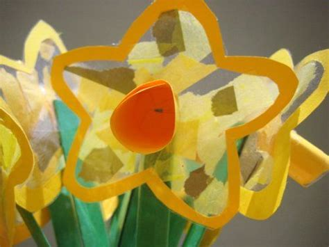 daffodil craft for beautiful craft for toddlers daffodil suncatchers