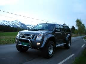 Isuzu Pictures Isuzu D Max Photos Photogallery With 34 Pics Carsbase