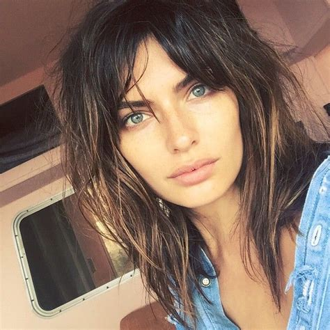 how to grow out bangs after 40 best 25 growing out bangs ideas on pinterest growing