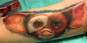 gizmo tattoo gizmo from gremlins tattoo by steve wimmer tattoonow
