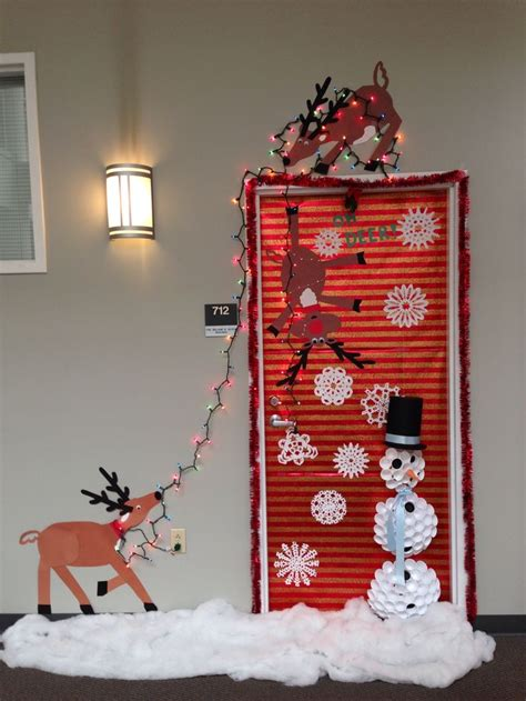 ideas about christmas door decorations