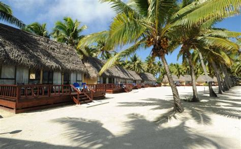 overwater bungalows cook islands aitutaki lagoon resort spa south seas adventures
