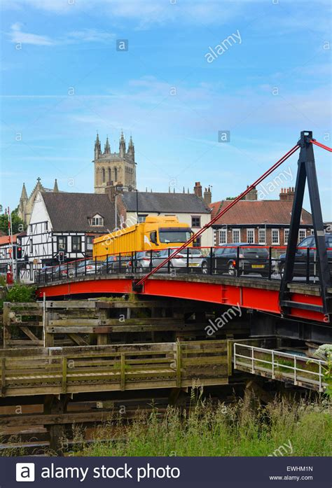 selby swing bridge traffic crossing selby swing bridge over the river ouse