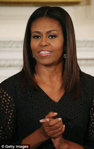 michele no wig michelle obama pictured wearing her natural hair daily