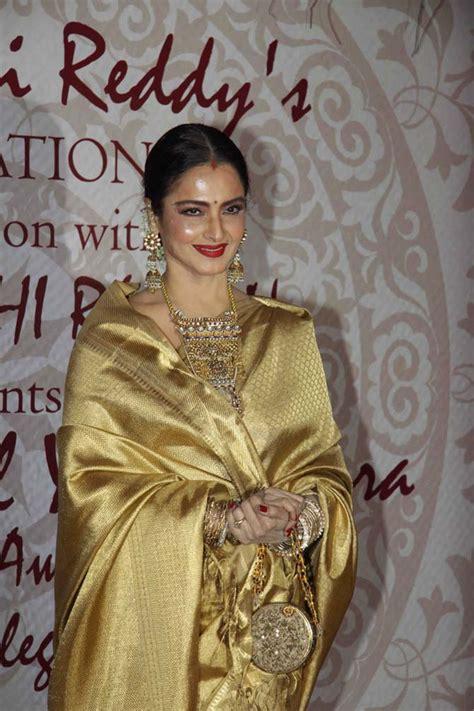 actress sridevi signature pix rekha sridevi mingle at award function rediff