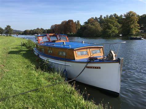 charter boat for sale uk classic boat sales classic boat charter henley sales