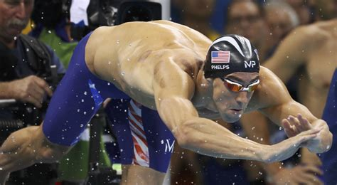 michael phelps dive michael phelps u s team take gold in 4x100 metre