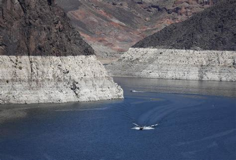 Lake Mead Bathtub Ring Lake Mead 2015 Photos Show Water Level Nearing Record Low