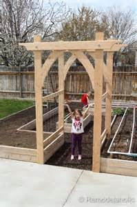 Garden Arbor Plans by Vegetable Garden Arbor Diy Plans
