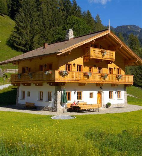hütten zum mieten h 252 ttenurlaub in den alpen in 252 ber 300 h 252 tten und chalets