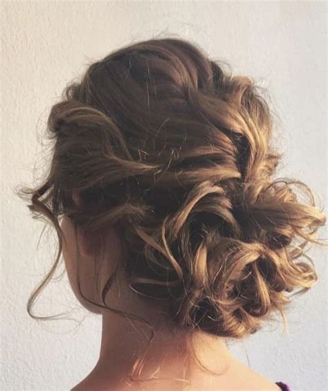 easy messy buns for shoulder length hair 25 chic updos for medium length hair hairstyles weekly