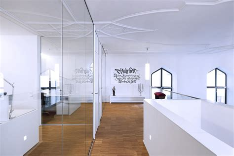 Wall Sticker Untuk Dinding Kaca Atau Tembok Ruang Makan Atau Dapur mengembangkan interior ruang kantor baru dengan merenovasi gereja sas interior
