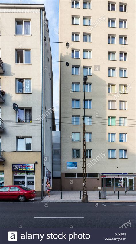 the narrowest house in the world warsaw the keret house quot the narrowest building in the