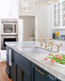 white and blue kitchen cabinets best 25 navy blue kitchens ideas on navy