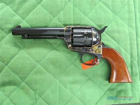 uberti 1873 cattleman 12 shot 22 lr caliber revolver uberti 1873 cattleman new model 22 lr 12 shot 356087