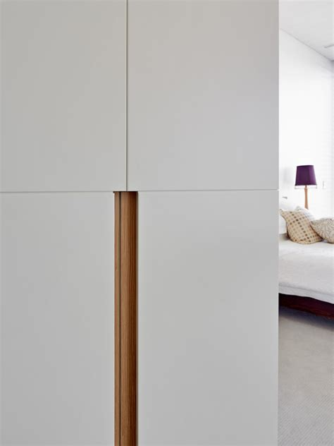 kitchen cabinet joinery robe handle detail mosman debrich custom joinery