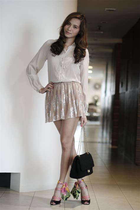 Topshops Take On The Prada Skirt by Topshop Skirt Prada Black Tie Shoes