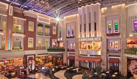 resorts world manila shopping mall in metro manila