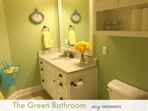 bathroom putting green the green bathroom home tour creatingmaryshome com